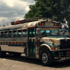 Chicken bus – transport w Gwtemali