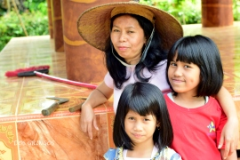 Matka z dziećmi, Tana Toraja