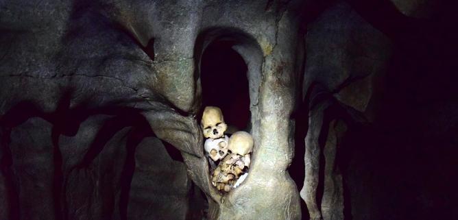 Londa, jaskinia w środku