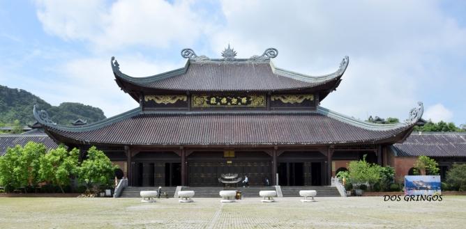 świątynie są utrzymane w stylu azjatyckim