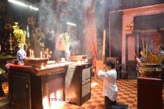czas modlitwy, oczywiście z obowiązkowym kadzidełkem w rękach