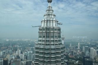 zdjęcie zrobione z bliźniaczej wieży